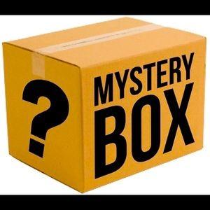 Woman size S mystery box 15pc
